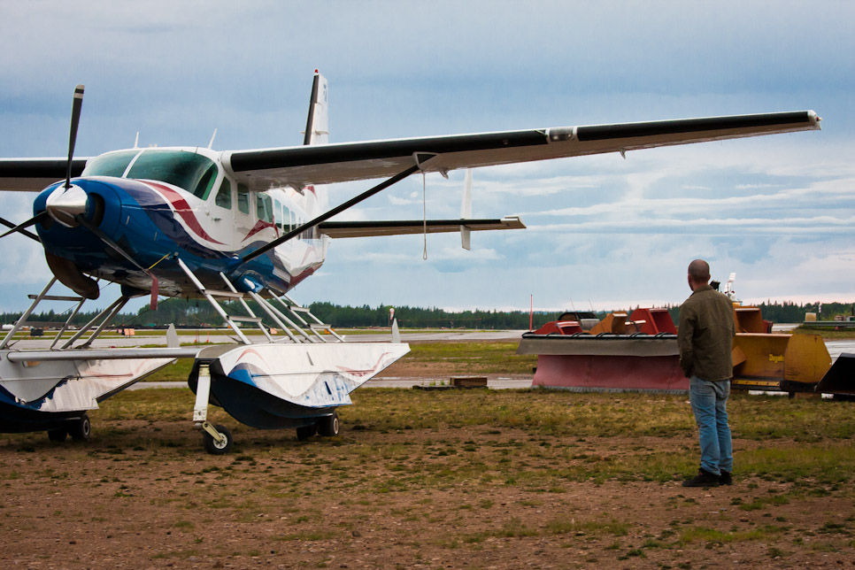 Can't drive in to see the oil sands operations? Let's rent a plane to fly over them! (Part 1)